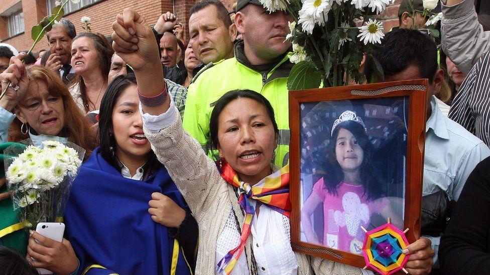"""Fue un """"momento de locura causado por las drogas"""": arquitecto Rafael Uribe confiesa el crimen de la niña colombiana Yuliana Samboní ante el juez y espera sentencia"""
