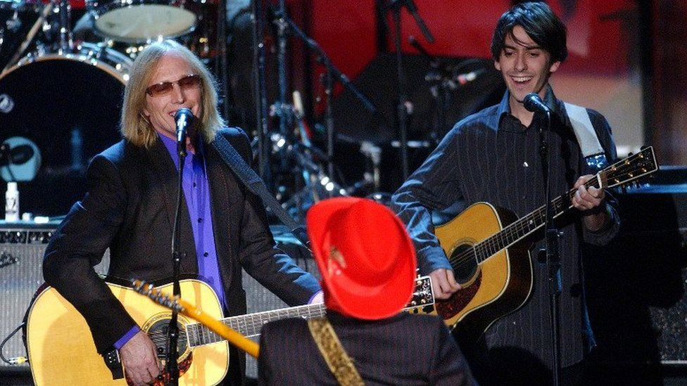 Prince plays with Tom Petty and Dhani Harrison