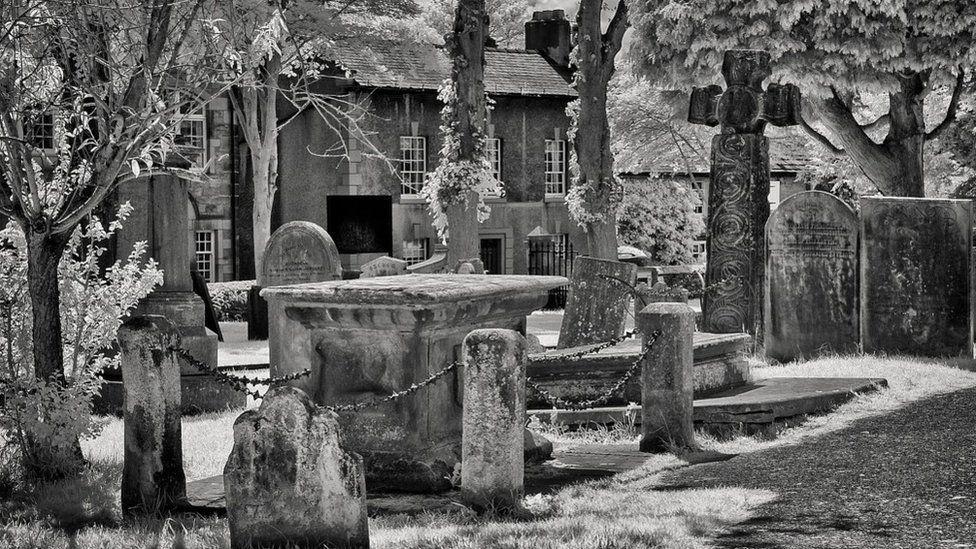 Catherine Mompesson's tomb