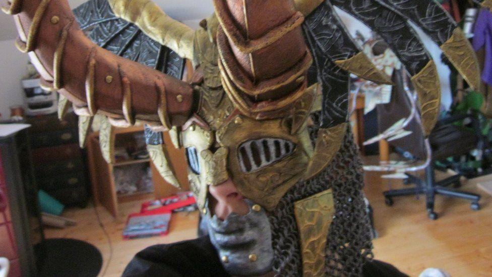 Chaozrael in a helmet