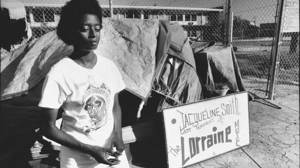 Jacqueline Smith pictured outside the Lorraine Motel in 1989