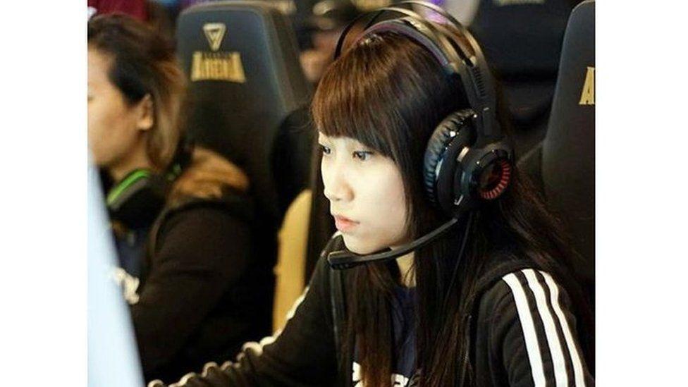 Singapore based professional gamer Amanda Lim.