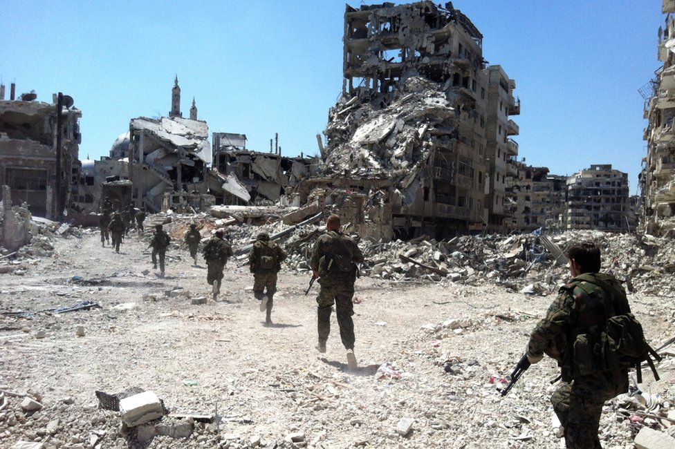 Syrian army soldiers in Khalidiya district of Homs (28 July 2013)
