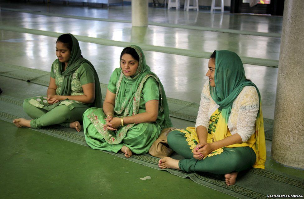 Women at the Sikh Temple