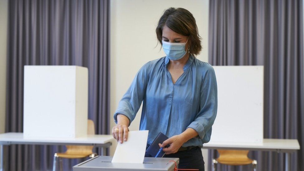 Green party (Alliance 90/The Greens) co-chairwoman and top candidate for the federal elections Annalena Baerbock casts her vote for the general election,