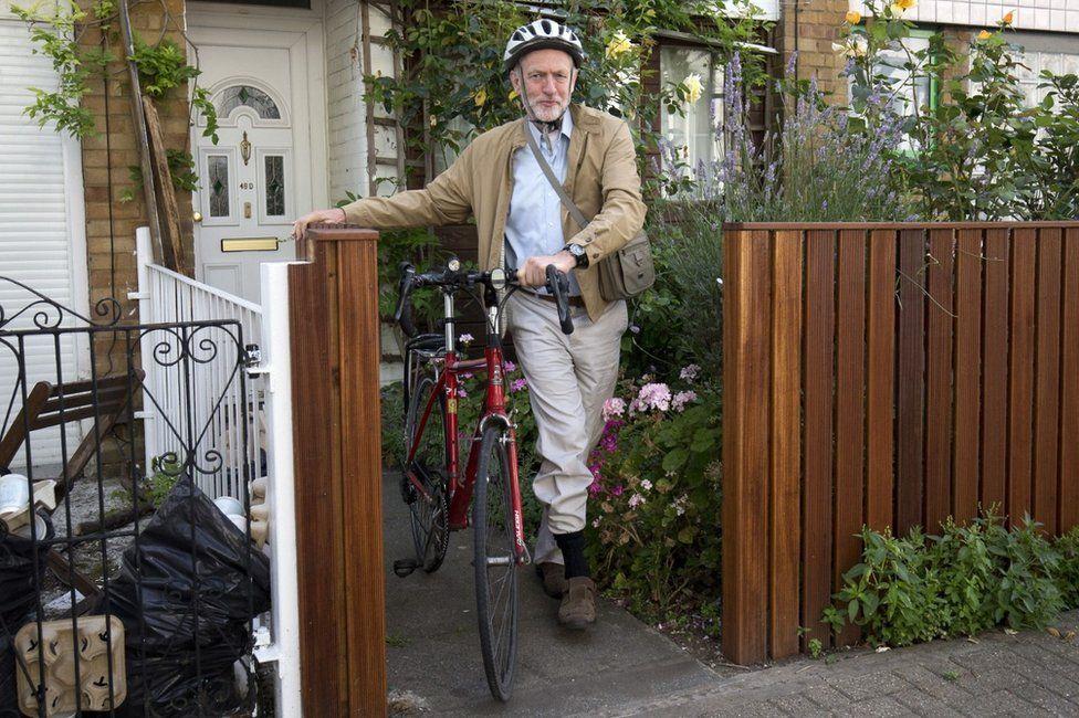 Jeremy Corbyn with bike
