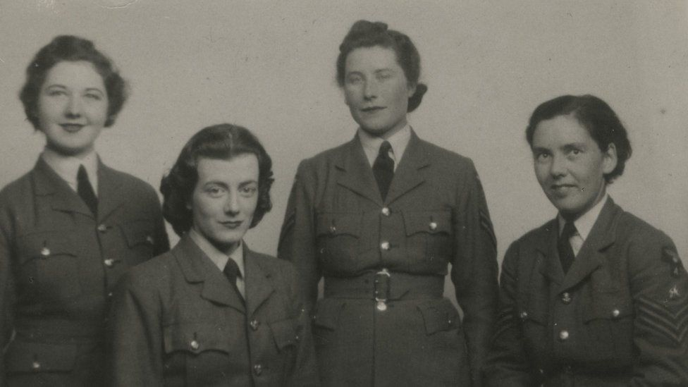 Sarah Churchill and unknown WAAF colleagues