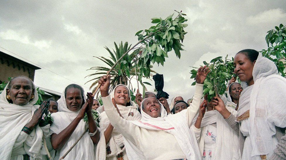 A group of women takes to the street, singing and dancing 25 April 1993 in the Red Sea port of Massawa at the end of of a three-day referendum which produced near-unanimous approval, making Eritrea independent from Ethiopia after a 30-year-old civil war.