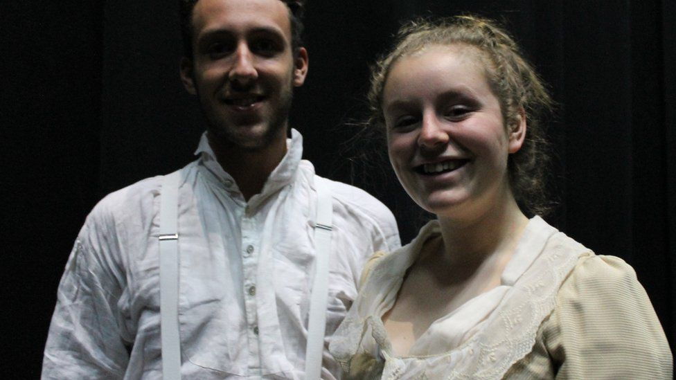 Gareth (Javert) a Gwen (Fantine)