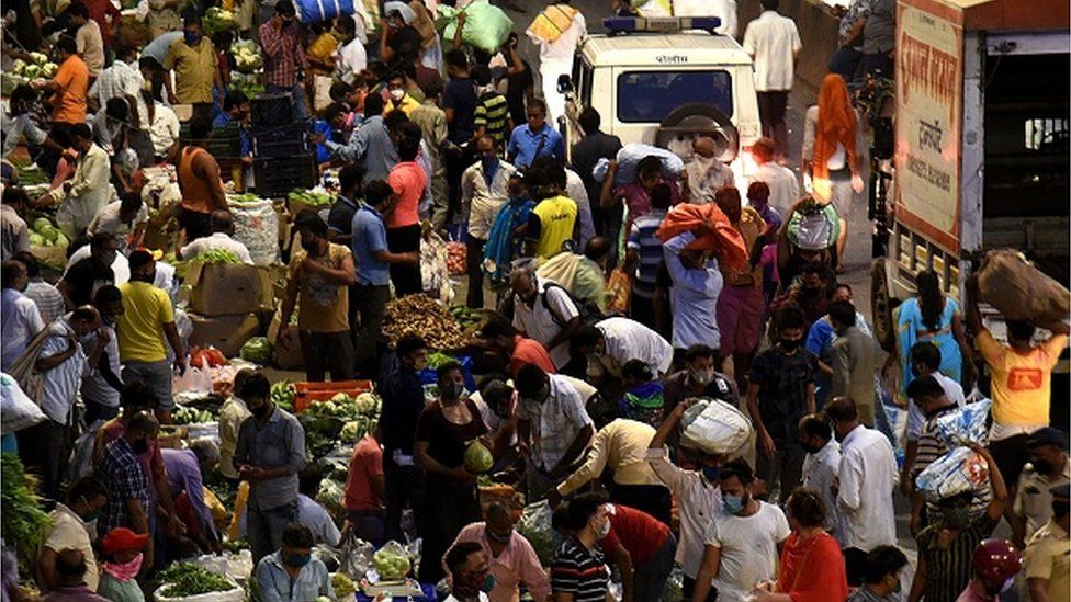 A crowded vegetable market in Mumbai
