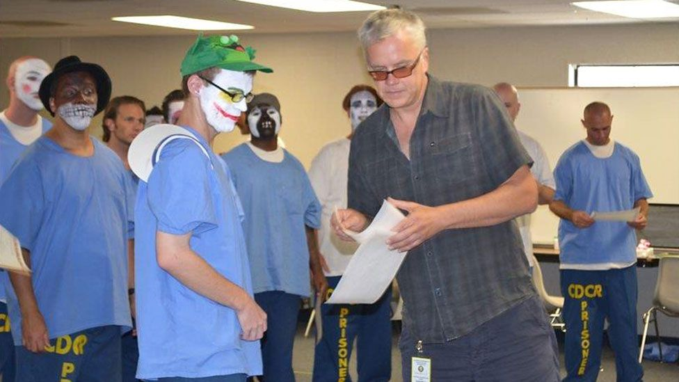 Tim Robbins with inmate-actors