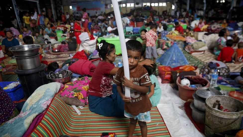 Displaced families in a shelter at Hpa-An Township in Kayin State