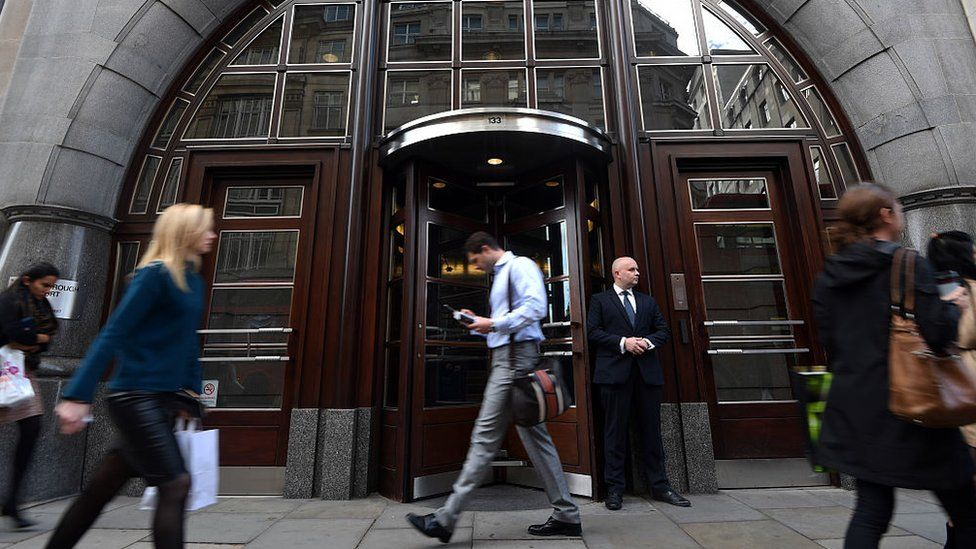 Goldman Sachs names DJ-ing banker David Solomon as boss - BBC News