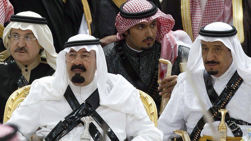 King Abdullah (2nd L) with Prince Salman bin Abdul Aziz (R) at an Arda dance in Riyadh, Saudi Arabia (18 March 2008)