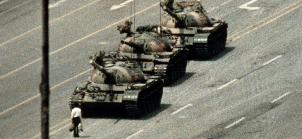 Protester stands in way of Chinese tanks in Beijing, 5 June 89