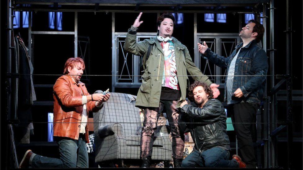Opera cast