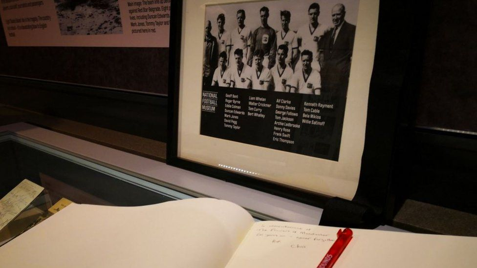 Book of condolence to remember the victims of the Munich Air disaster