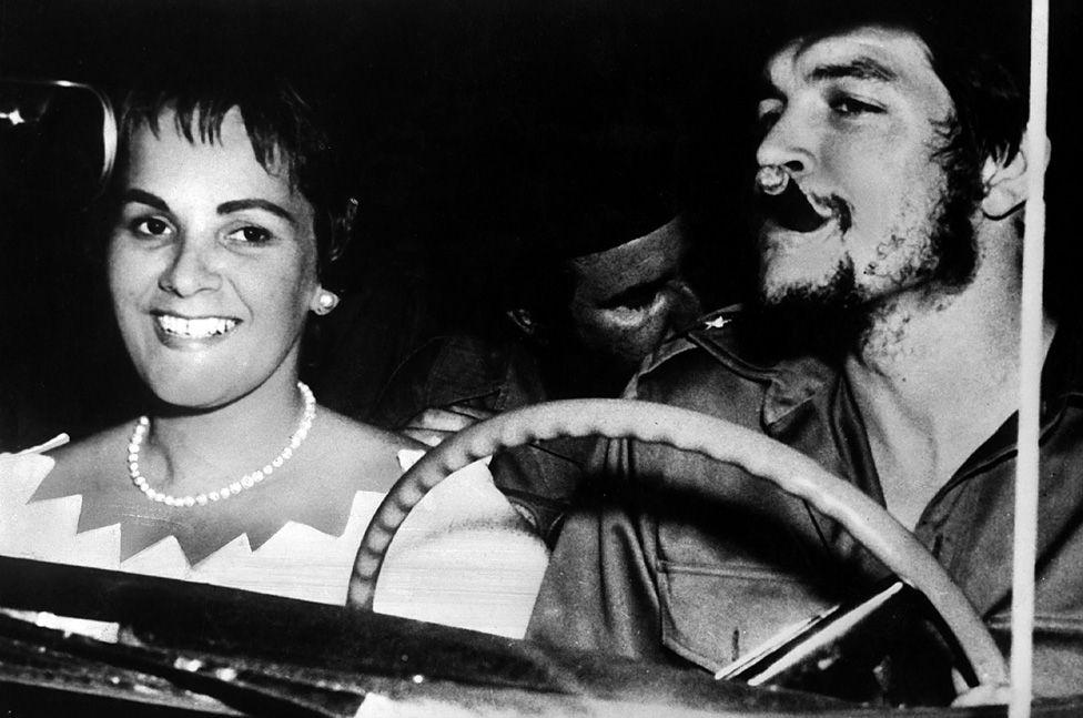 Che Guevara and wife Aleida on honeymoon