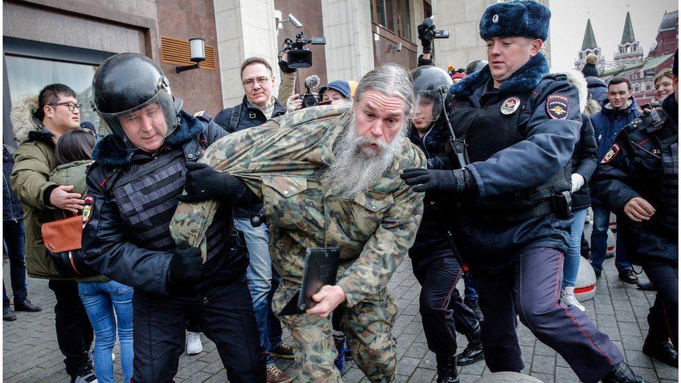 МВД: в воскресенье в Москве были задержаны 302 человека