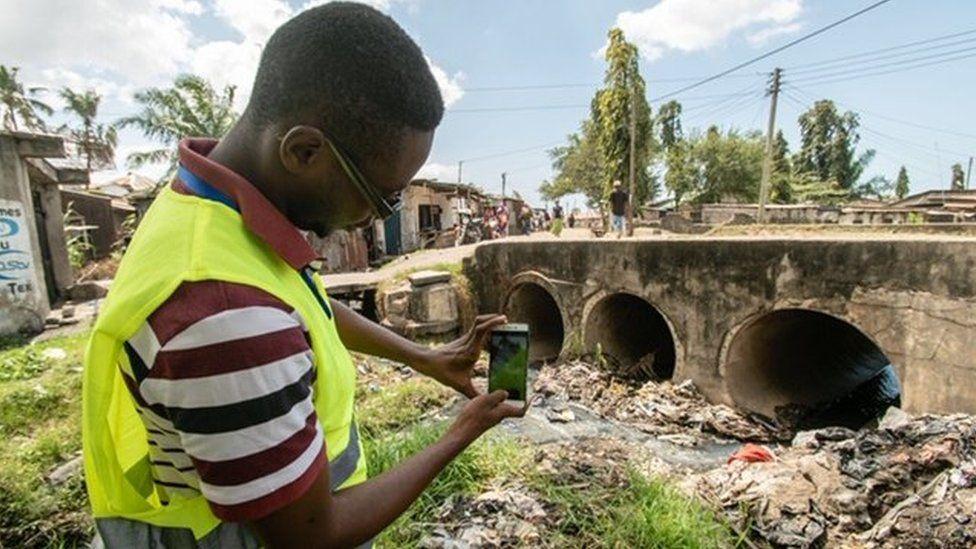 A volunteer mapper in Dar es Salaam