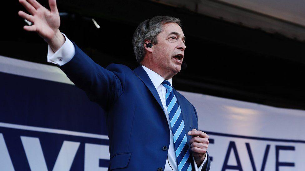 Brexit Party leader Nigel Farage addresses Pro Brexit demonstrators in central London