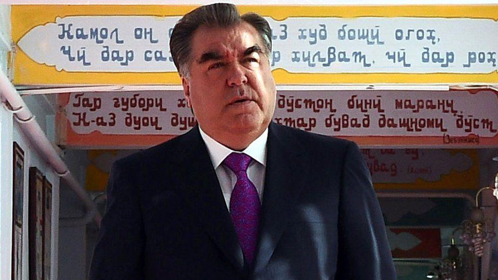 Tajik President Emomali Rakhmon arrives at a polling station in Dushanbe, 22 May