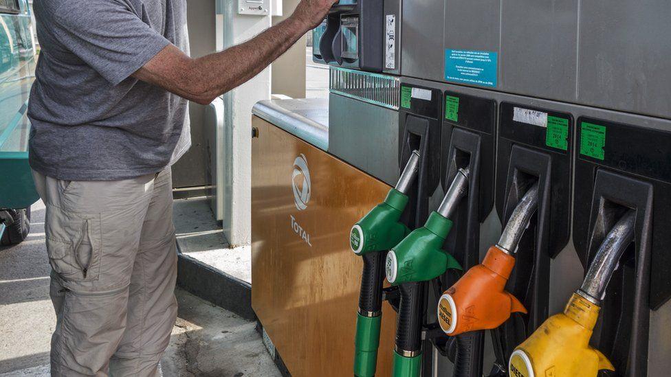 الهجوم على منشأتي نفط سعوديتين: هل ترتفع أسعار الوقود بسببه؟