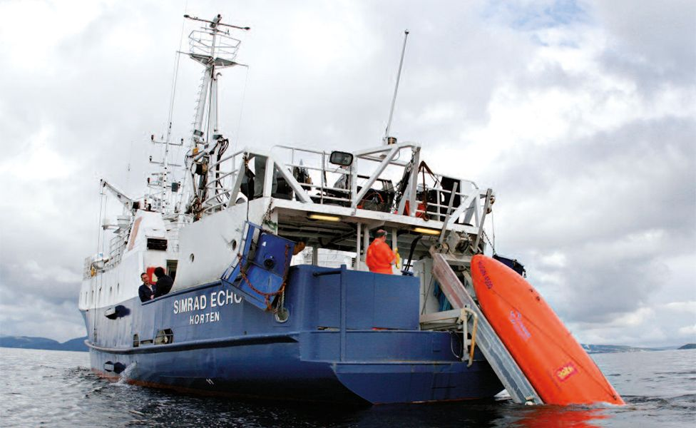 Ship and AUV