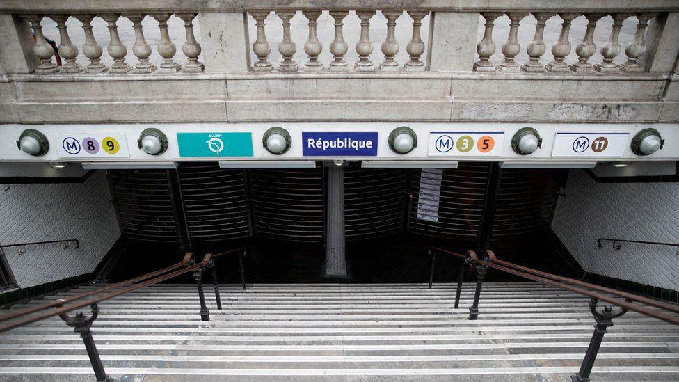 Republique station closed
