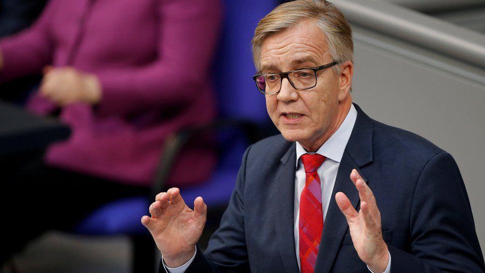 German cyber officials defend handling of mass data attack