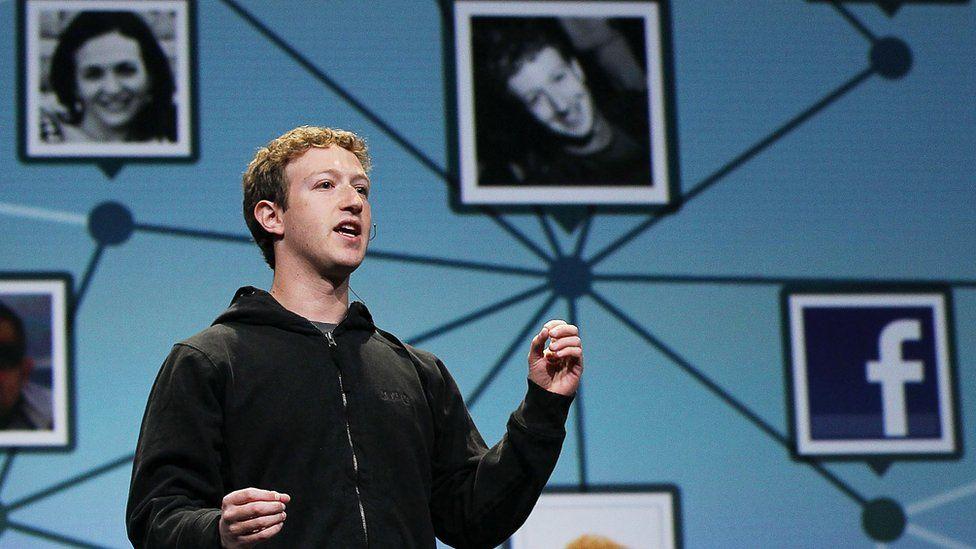 Cómo quiere Facebook competir con LinkedIn y ayudarte a encontrar empleo