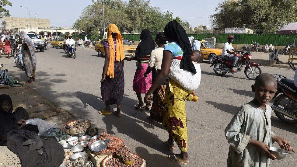daily life on the streets of N'Djamena