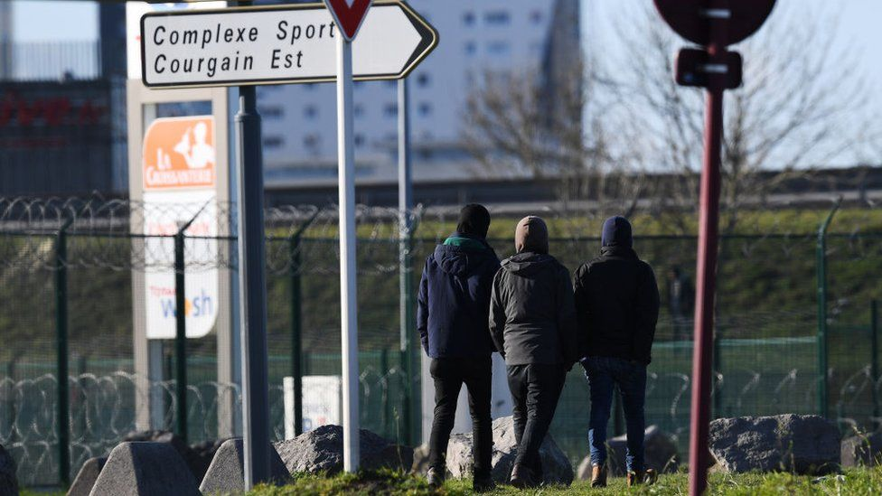 Picture of migrants in Calais