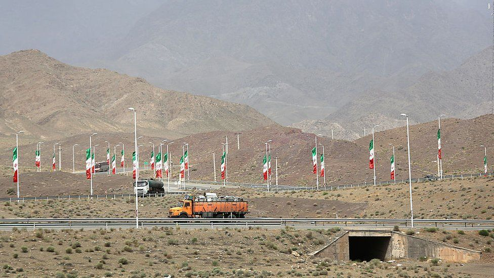 Iranian flags along a highway in Natanz (file photo)