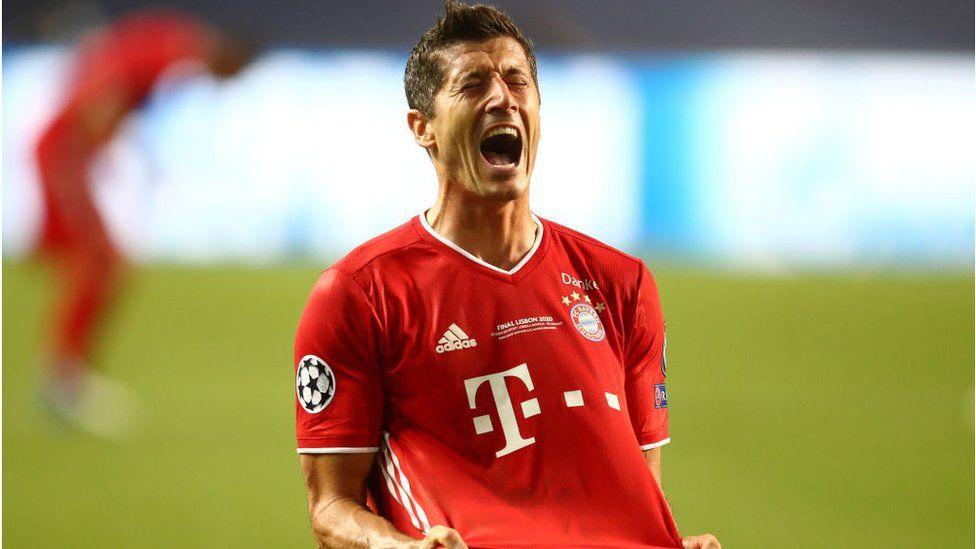 Robert Lewandowski of Bayern Munich celebrates at the end of the UEFA Champions League final 2020