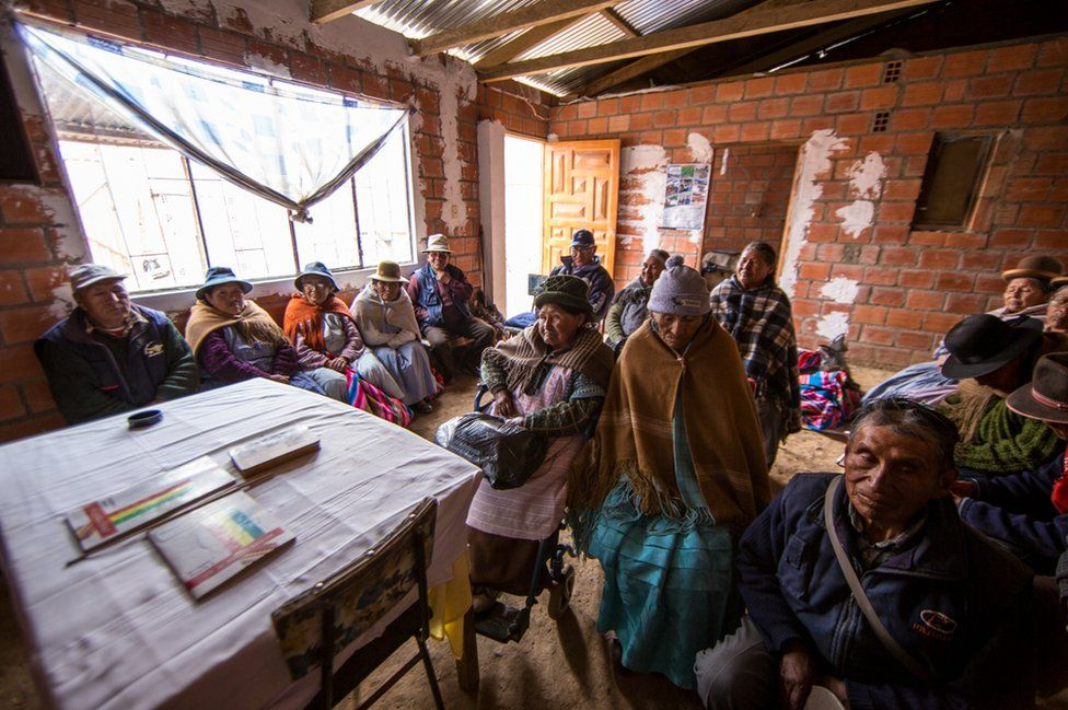 A literacy group gathered for class in El Alto