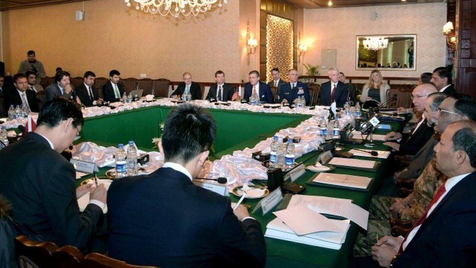 Delegates from Pakistan, Afghanistan, China and the US attend the third round of a meeting at the foreign ministry in Islamabad aimed at getting the Taliban to hold peace talks peace with the Afghan government (06 February 2016)