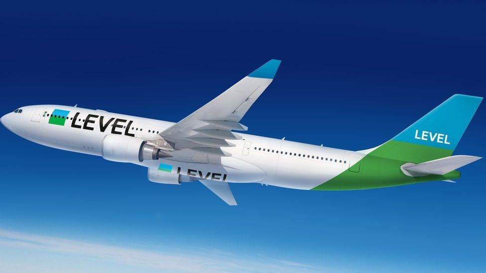Level airline aircraft