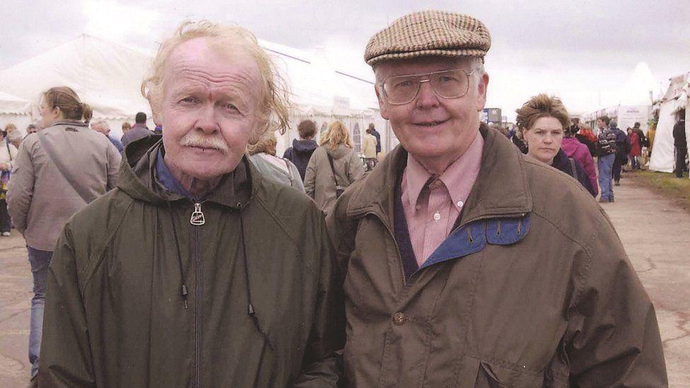 Brodyr y Brifwyl: Y Prifeirdd Gerallt a Geraint Lloyd Owen