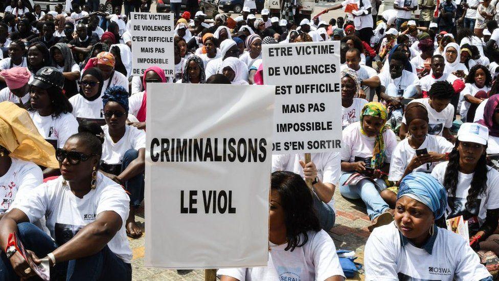 Au Sénégal, libération d'une animatrice de télévision arrêtée pour des propos sur le viol
