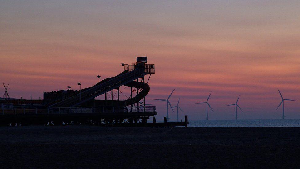 Turbines on Yarmouth beach