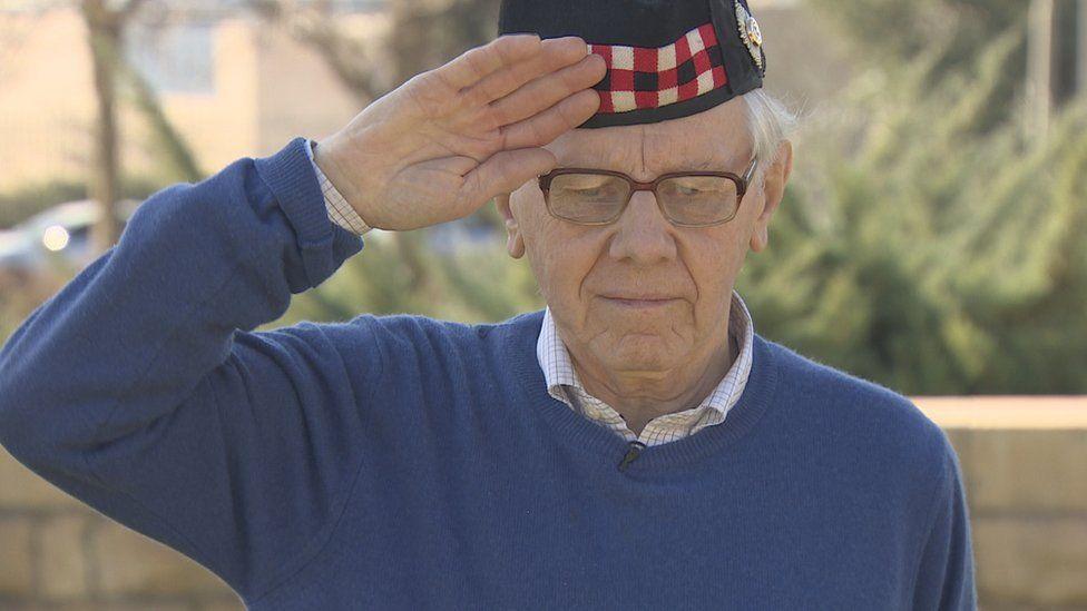 Captain Bell's son Robin found Lt Hutchison's grave
