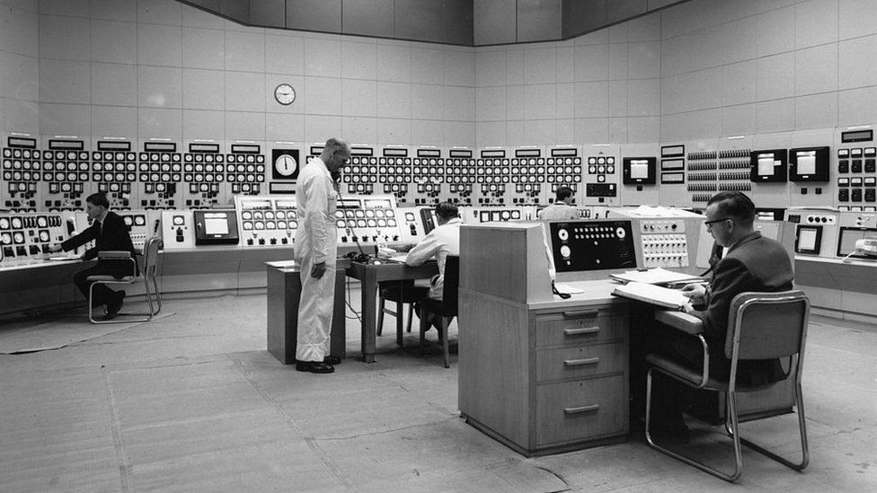 The nuclear control room at Berkeley nuclear power station in 1963