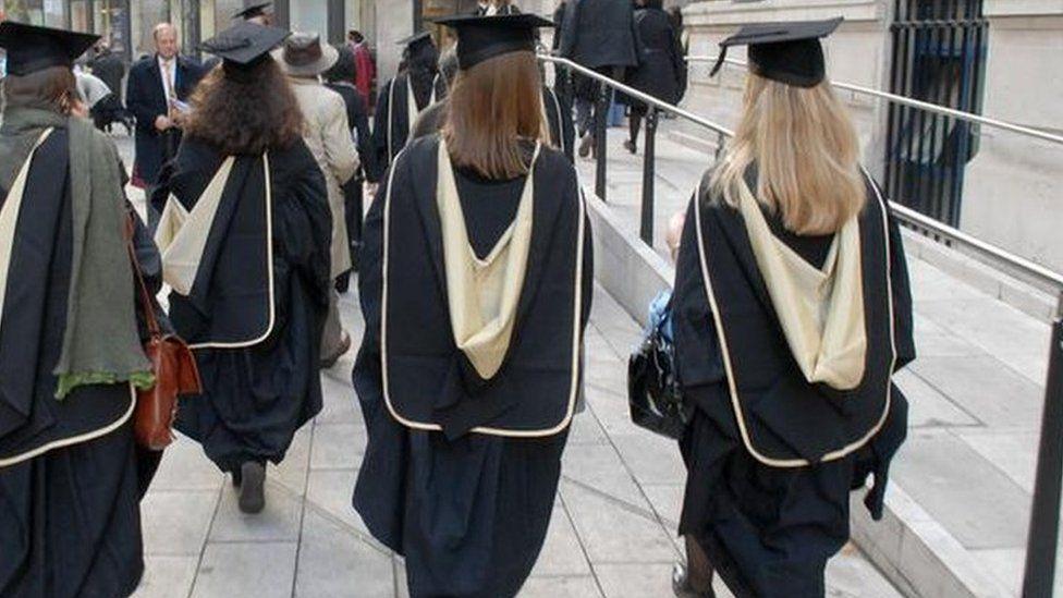 Female graduates at LSE