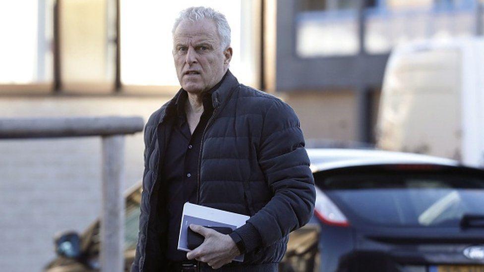 Peter R de Vries: Suspect denies knowledge of Dutch reporter's murder thumbnail