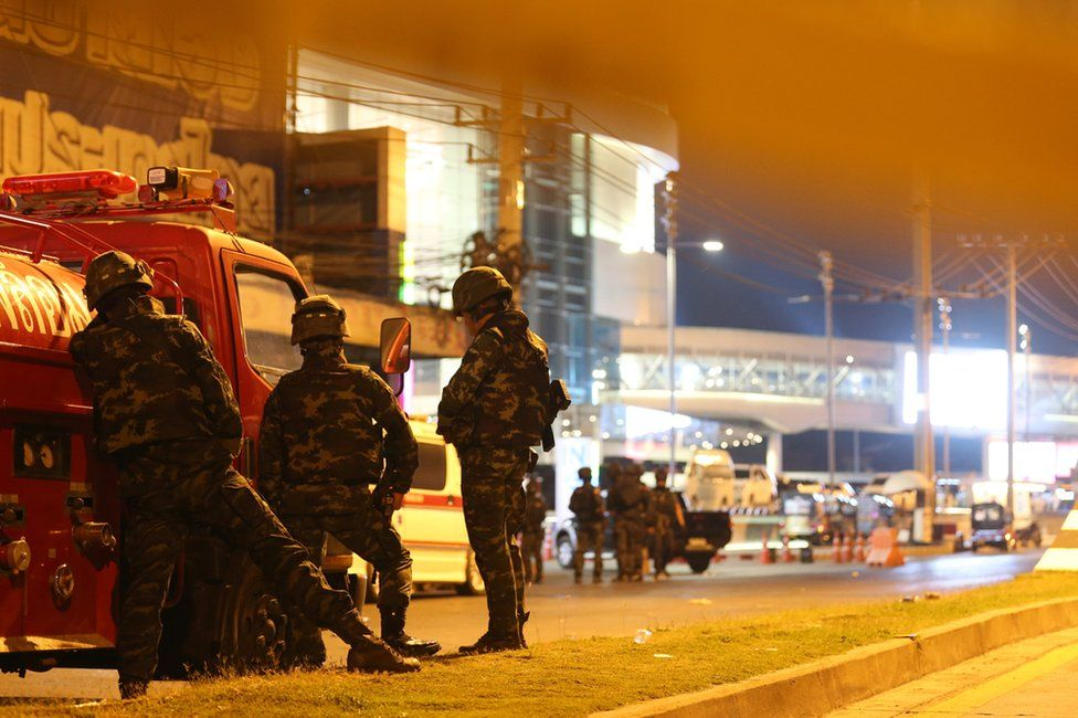 Soldiers outside the shopping centre