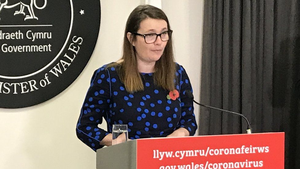 """Kirsty Williams said there had been a """"steady decline"""" in Covid cases at university"""