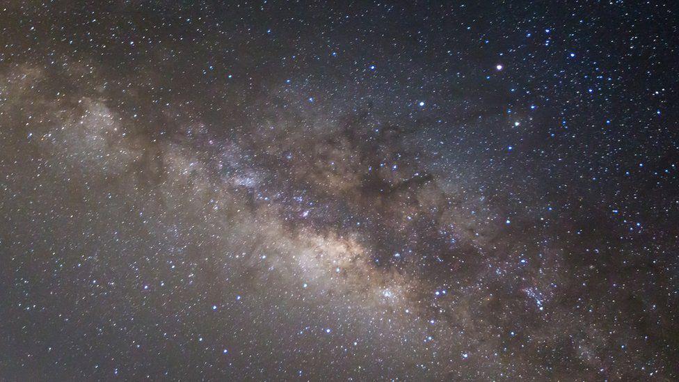 Por qué la imagen que tanto conocemos de nuestra galaxia, la Vía Láctea, podría estar errada
