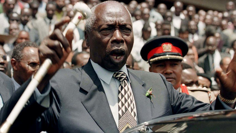 """Kenya""""s President Daniel Arap Moi addresses supporters of the ruling Kenya African National Union (KANU) at the its headquarters in Nairobi, August 19, 1997"""