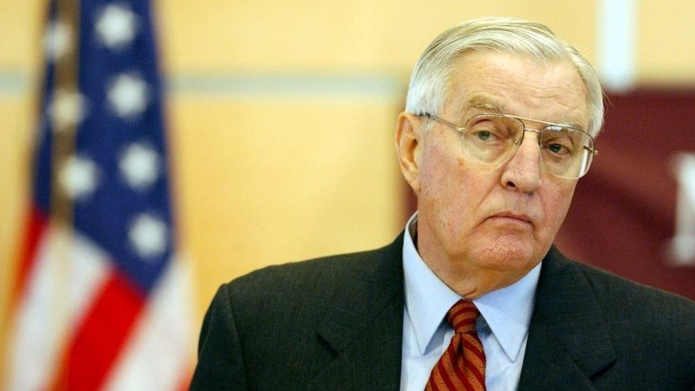 Former US Vice-President Walter Mondale dies aged 93 thumbnail